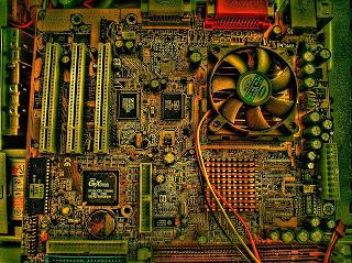 Perbaikan komputer karena masalah pada Motherboard