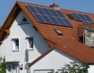 Rumah listrik tenaga matahari