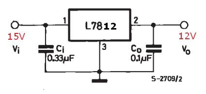 rangkaian contoh regulator dengan IC 7812